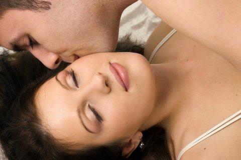 8 Manfaat Berciuman Bagi Kesehatan