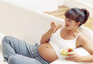Flek Mirip Haid Tanda Kehamilan