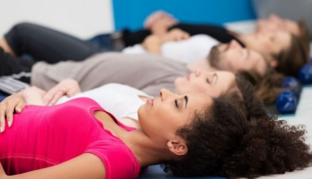 Rileksasi meredakan stres penyebab haid telat