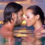 Tips Cara Bercinta yang Benar di Dalam Air