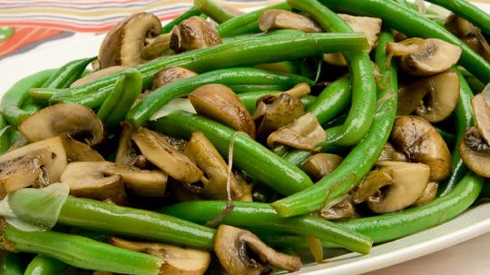 Makan kacang dan jamur meneyembuhkan ejakulasi dini pada pria