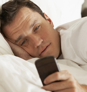 Kecanduan ponsel sebabkan disfungsi ereksi