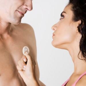 Periksa tanggal kadaluarsa kondom