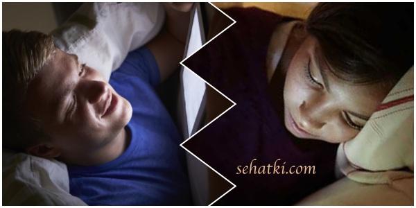 Bahaya main hp di tempat tidur