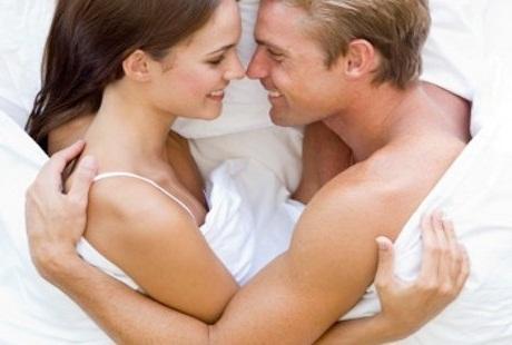 Aktif Berhubungan Seks Bikin Usia Tampak 7 Tahun Lebih Muda