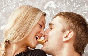 Hindari makanan ini sebelum berciuman