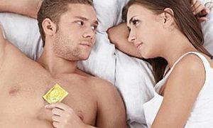 Posisi seks saat gunakan kondom