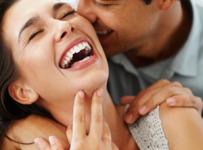 Manfaat pelukan dan ciuman